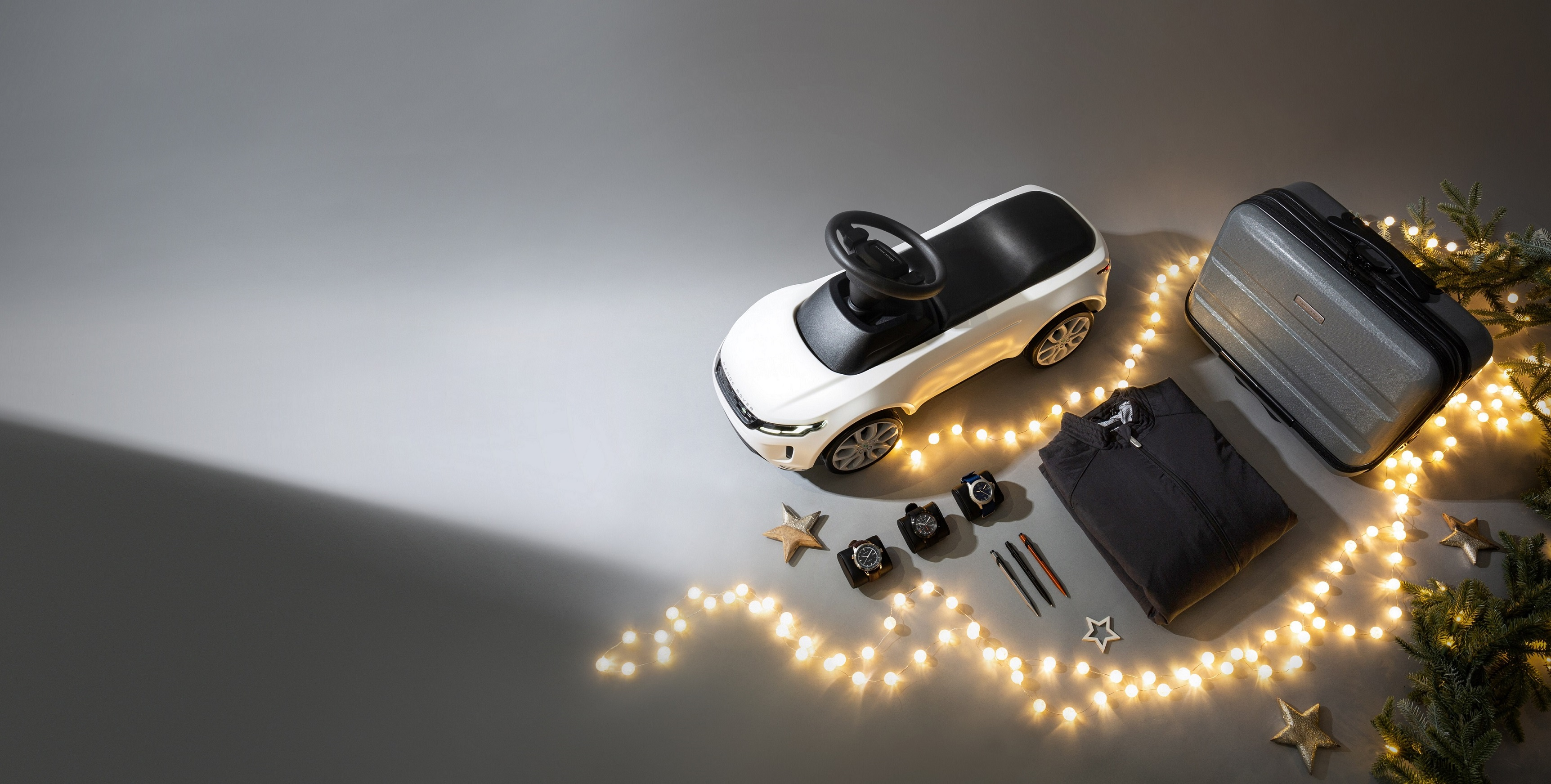 New gifts in land rover retailers