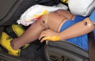 IIHS Finds Knee Airbags Offer Little Benefit