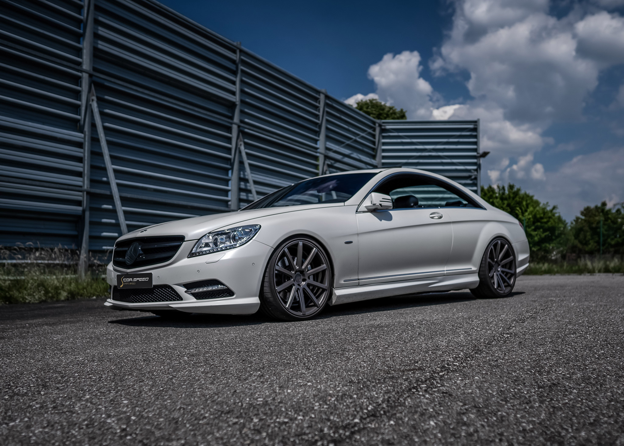 Cor.Speed meets TR Exclusive – Elegant shoes for the large Mercedes coupé