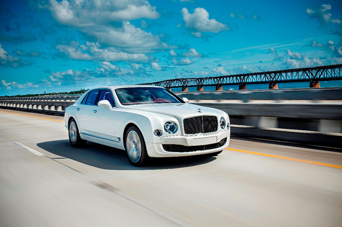 Bentley Mulsanne Speed Wins Two Regional Awards in a Row