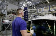 Volkswagen Pioneers Use of 3 D Smart Glasses at Factory for Greater Accuracy