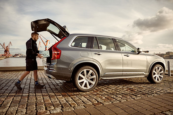 Volvo Takes Stress out of Christmas Shopping with In-Car Delivery