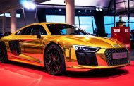 Audi Celebrates AutoBild Award with Gold wrapped R8