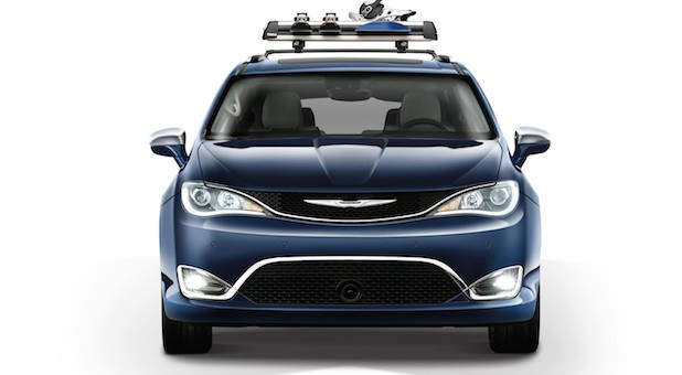 Mopar Accessories Arrive in 2017 Chrysler Pacifica