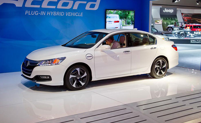 Honda to Begin Production of gasoline-electric cars in China in 2016