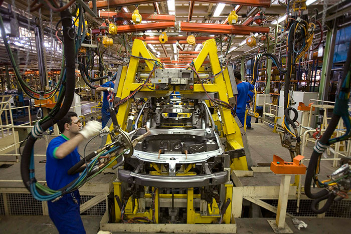 Renault Declares Plan to Double Production in Iran