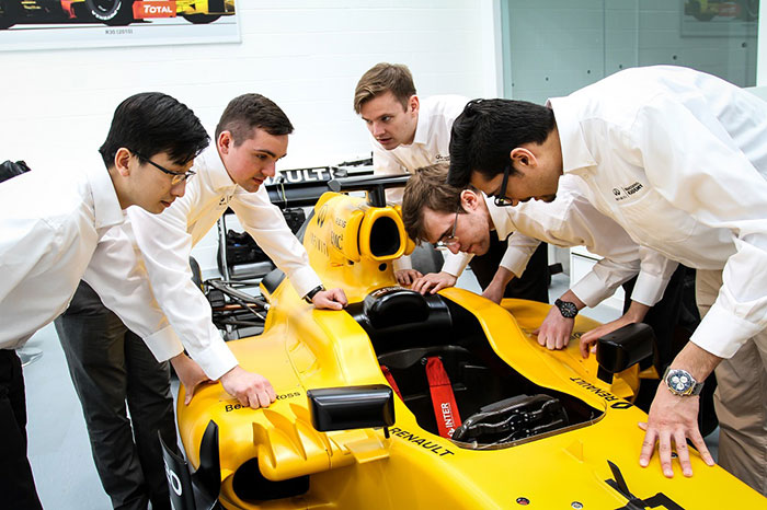 Infiniti offers UAE Engineering Students Golden Chance for Formula One Career