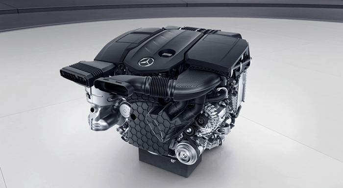 Daimler Mulls Investing in New Engine Tech