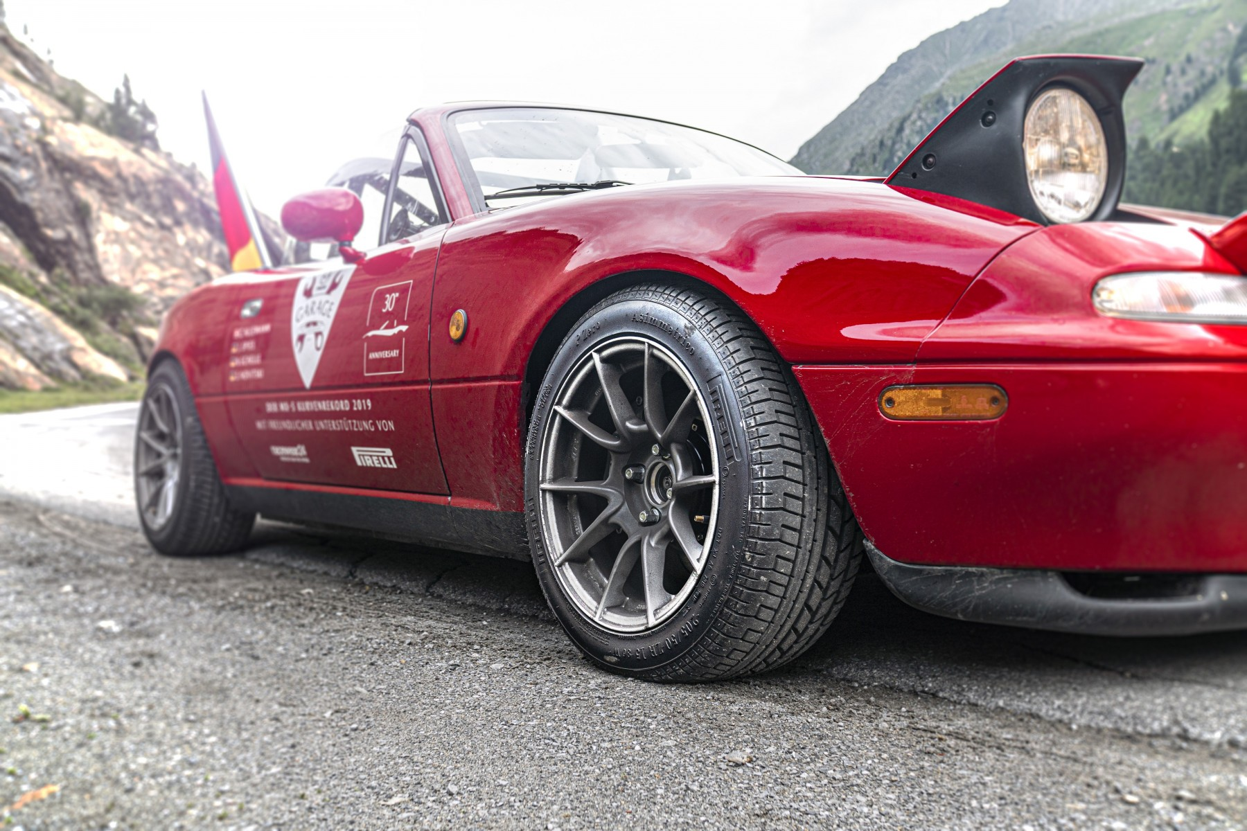 Pirelli Sets World Record with P Zero Tires for Mazda MX-5