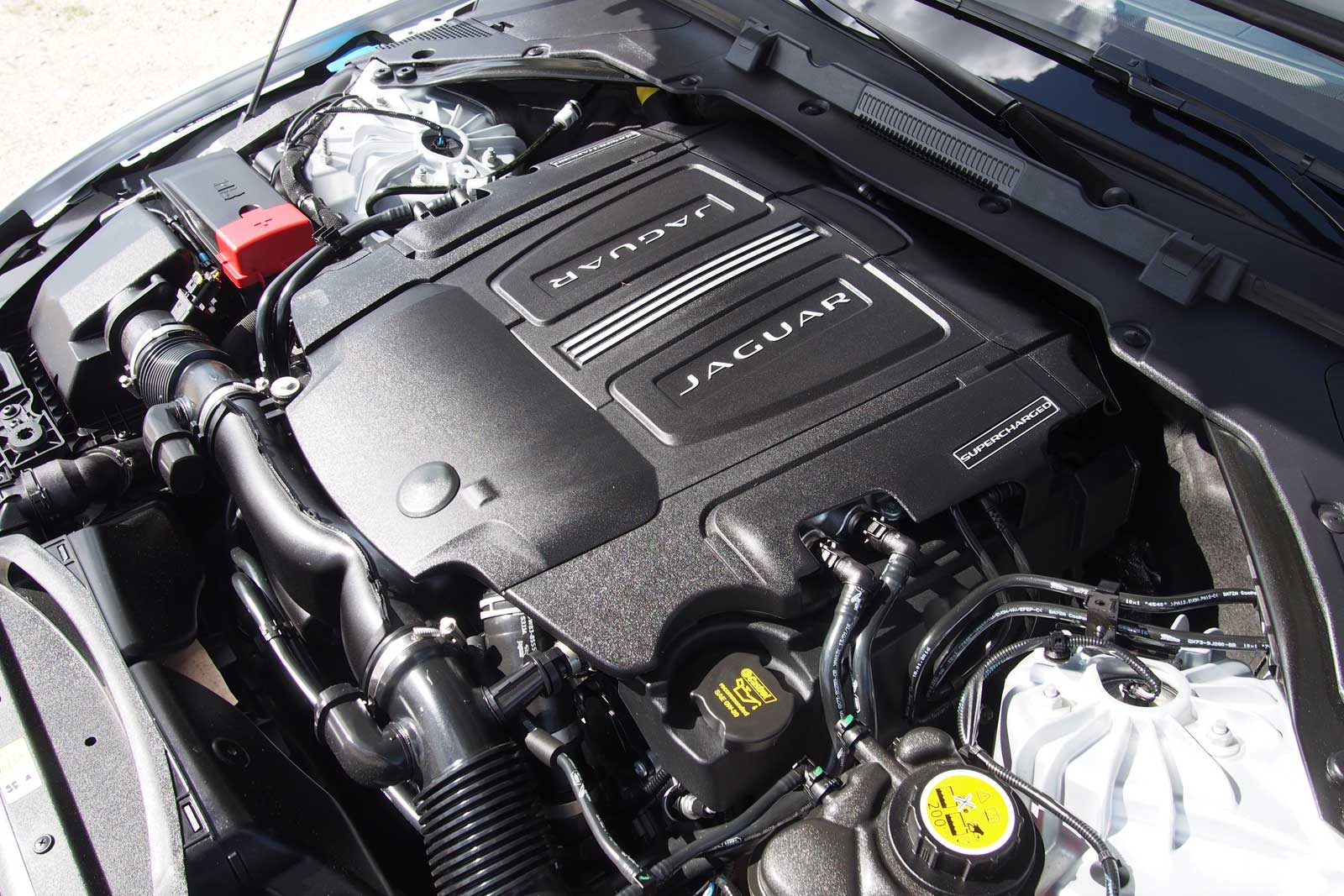 Jaguar Land Rover to Have New Powertrain Range for 2017