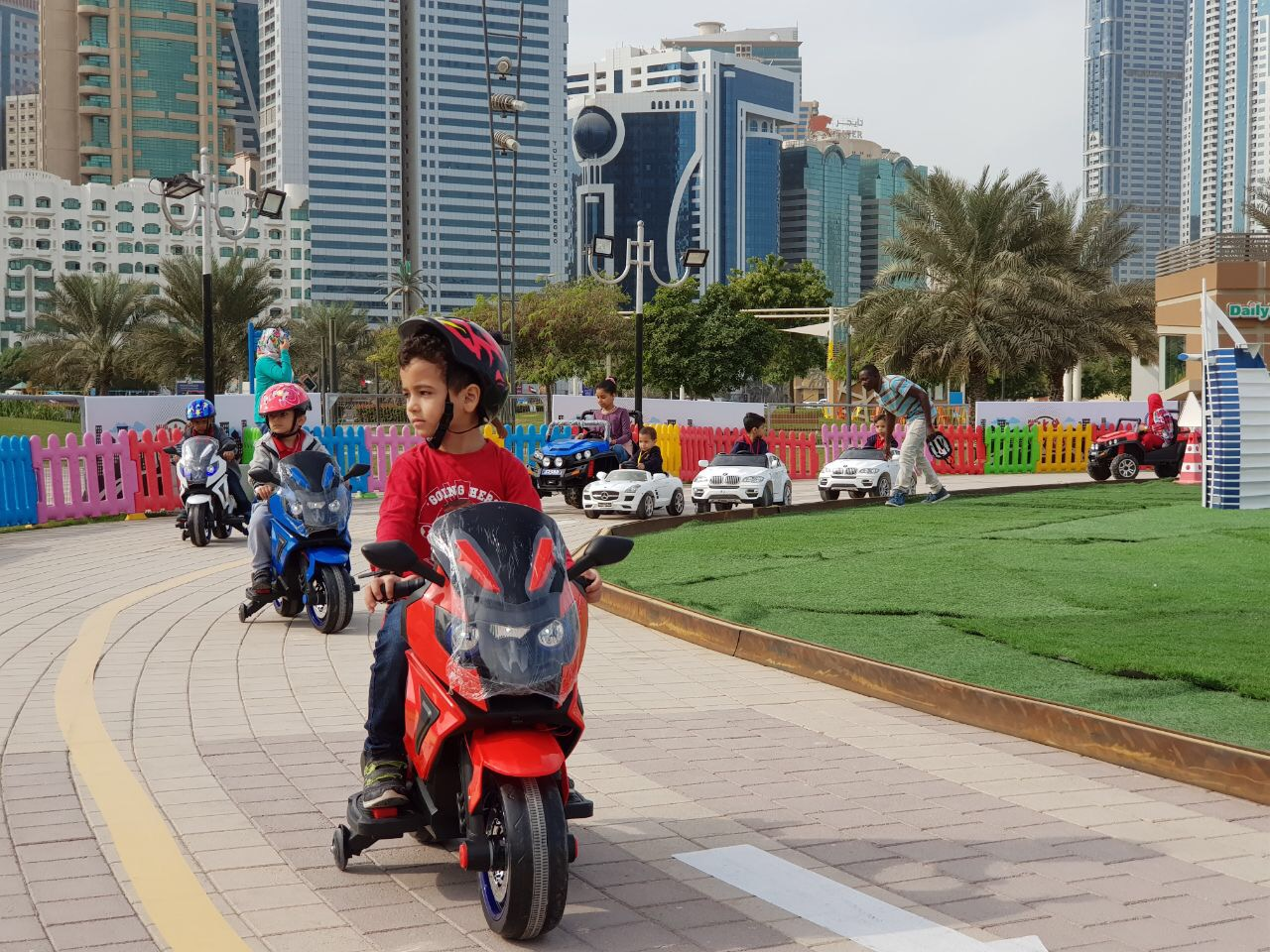 10 Golden Rules for Driving in the UAE
