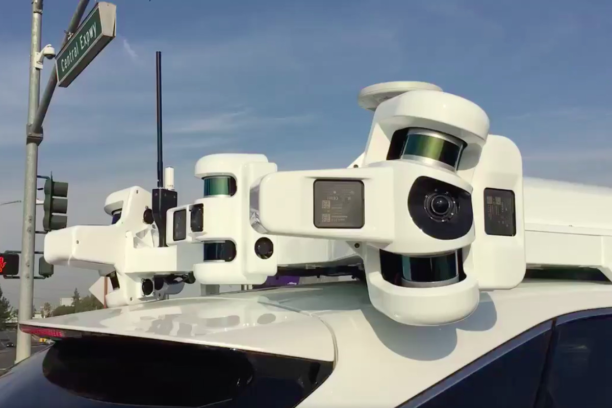 Apple Patents Self-Driving V2X Tech