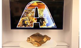"Axalta Chooses Golden-Bronze ""Sahara"" as 2019 Automotive Color of the Year"