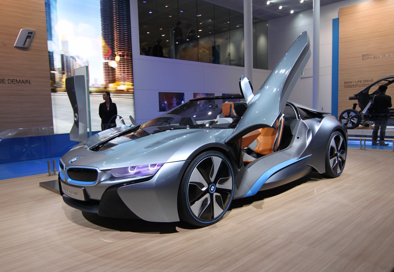 Electric Cars to Dominate Paris Auto Show