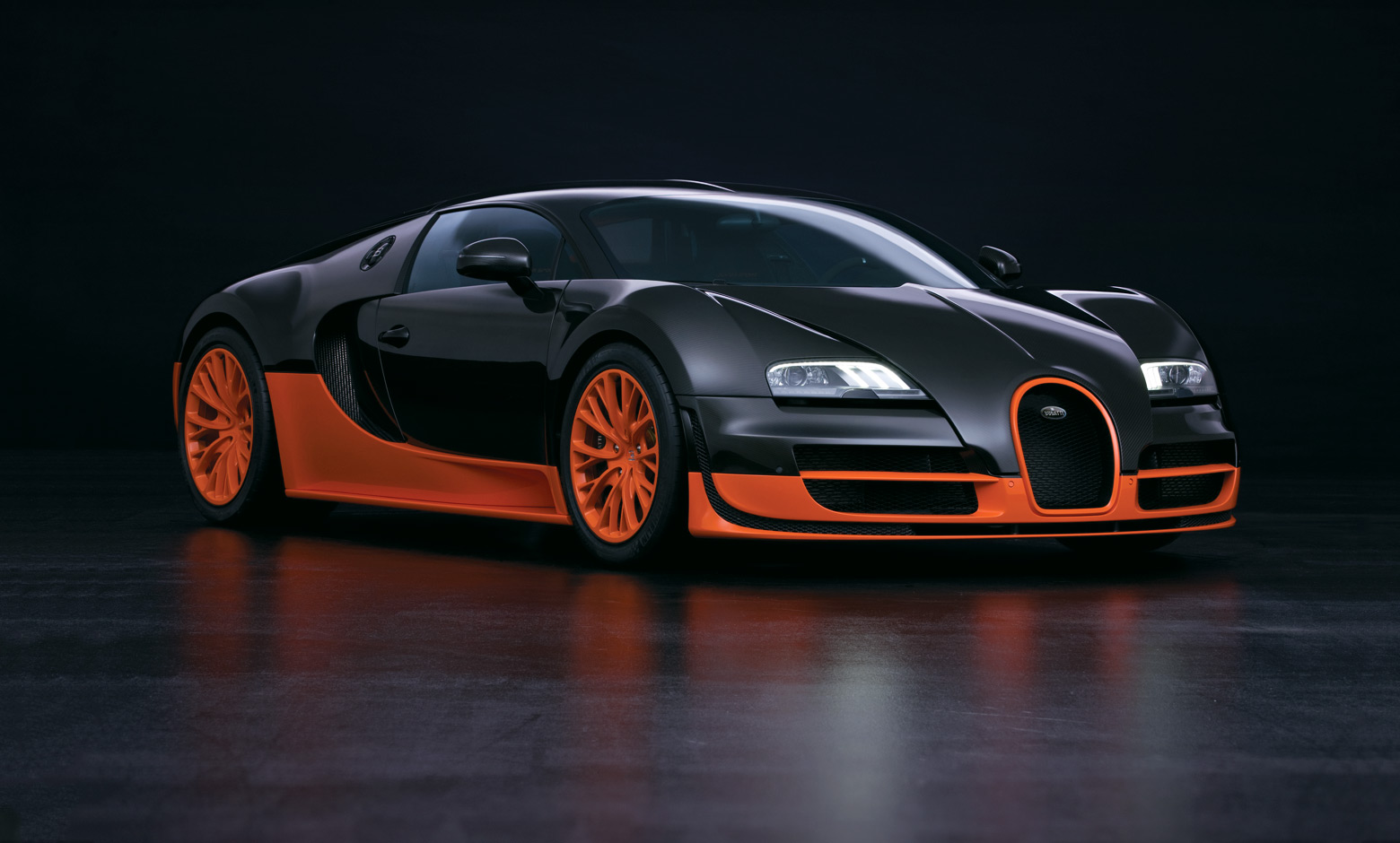 bugatti celebrates premiere of chiron in japan tires parts news. Black Bedroom Furniture Sets. Home Design Ideas