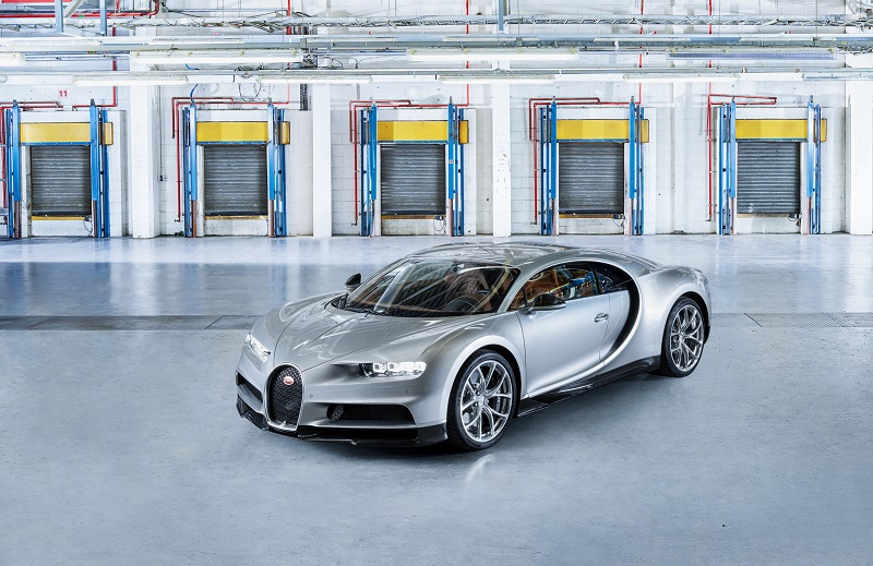 Bugatti Chiron Wins GQ Car Award