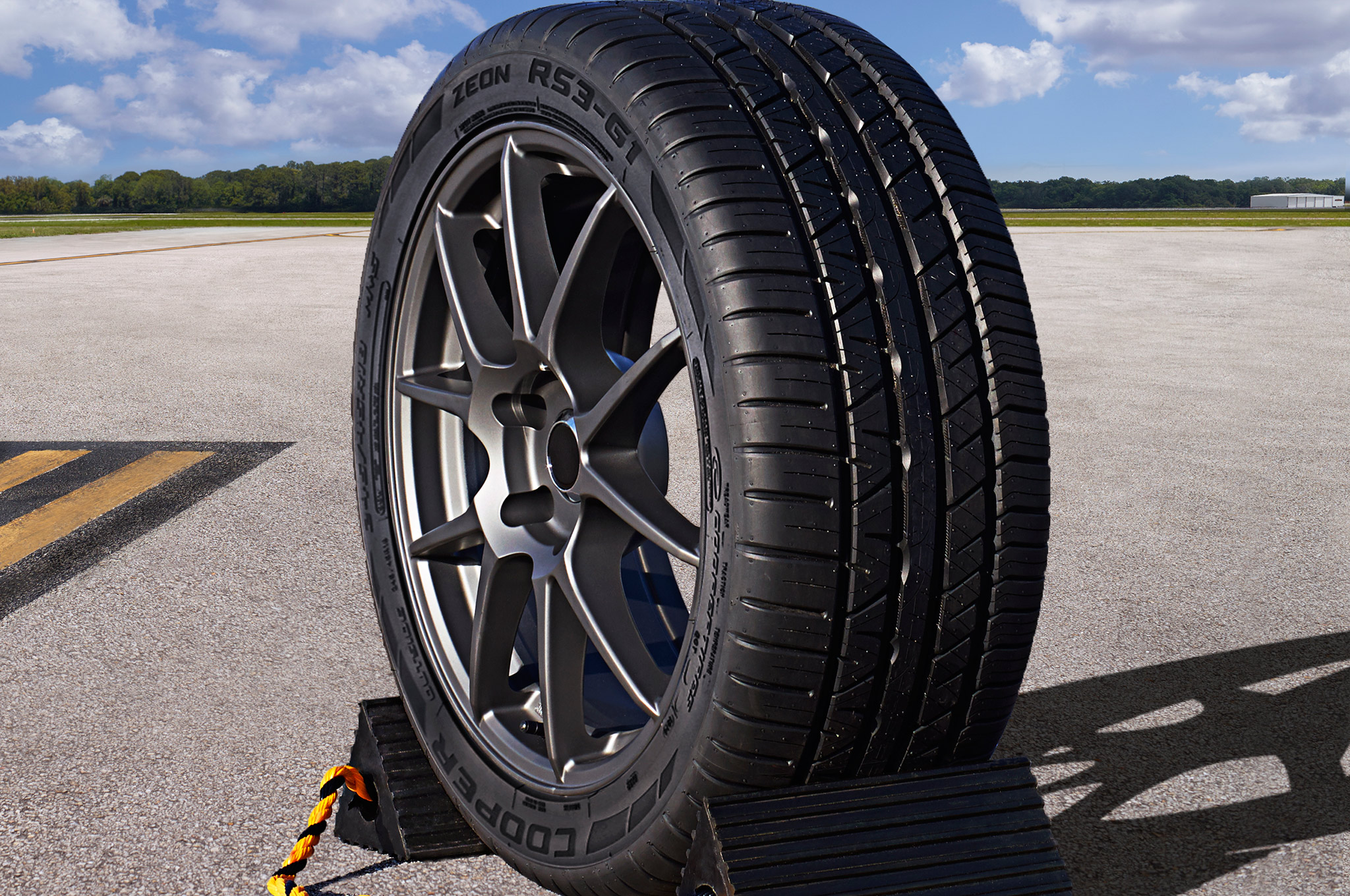 Cooper Zeon RS3 G1 Wins Global 2016 GOOD DESIGN Award Tires