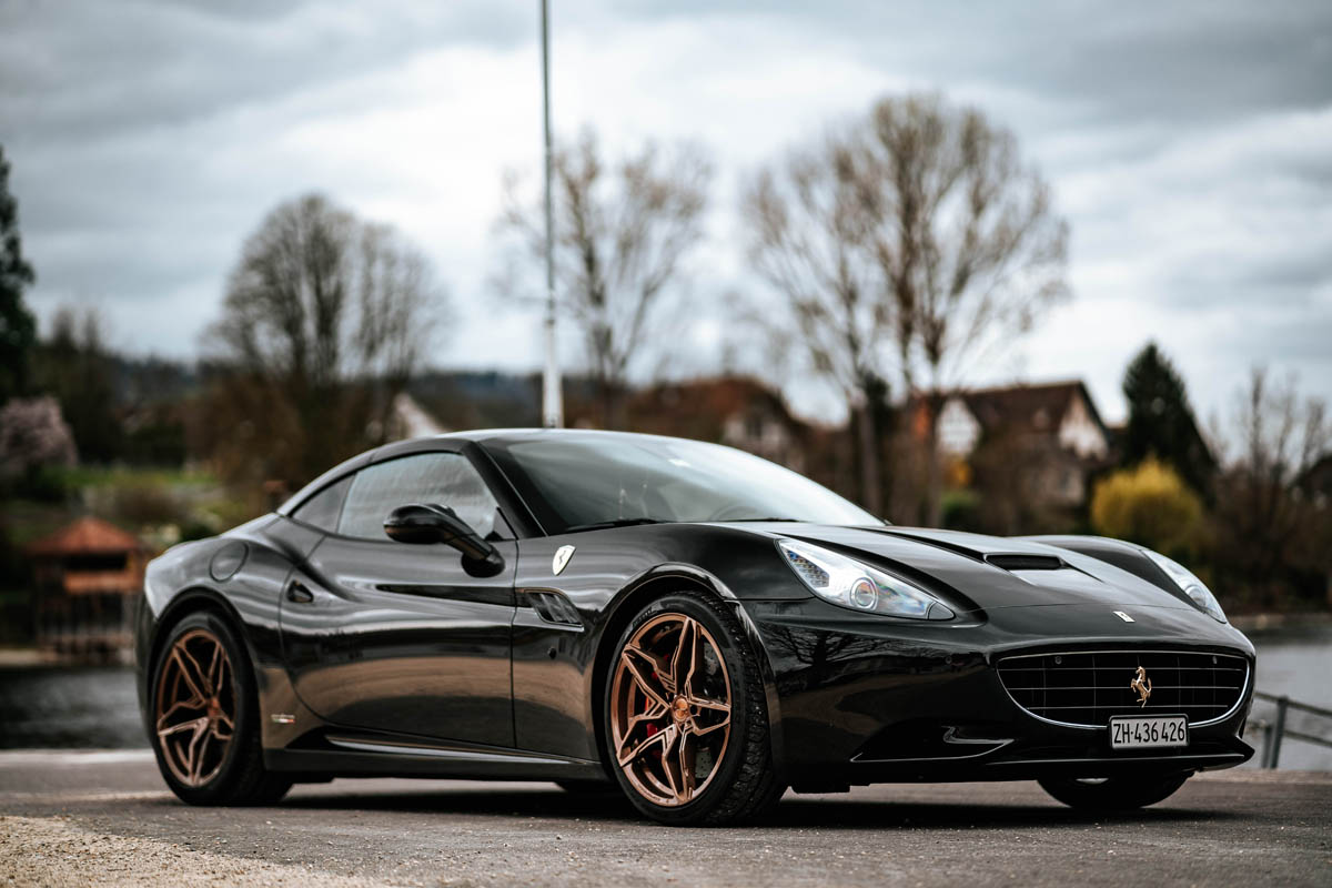 Swiss-Italian symbiosis - Cor.Speed Kharma on the Ferrari California