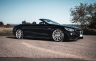 Strong luxury convertible with fine shoes - Deville on the Mercedes-AMG S 63
