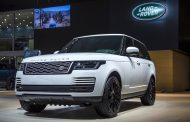 Land Rover Debuts New Range Rover at Dubai International Motor Show