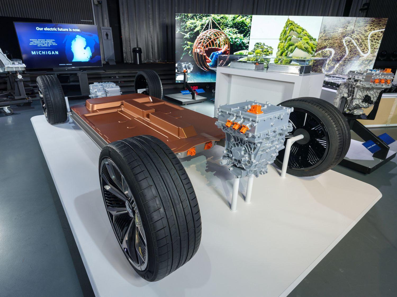 General Motors Reorganizes Powertrain Division