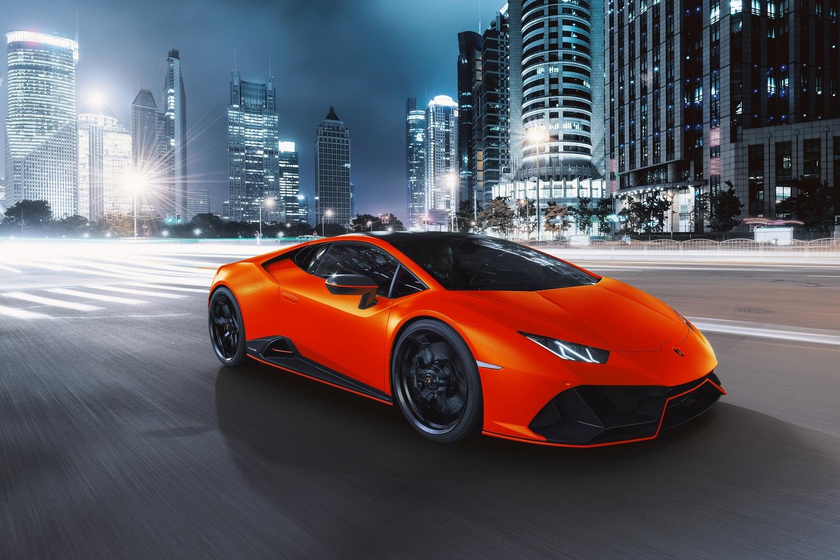 Automobili Lamborghini presents the Huracán EVO Fluo Capsule