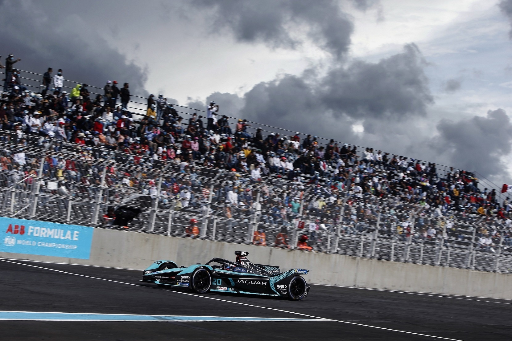 Valuable points in first puebla e-prix for jaguar racing