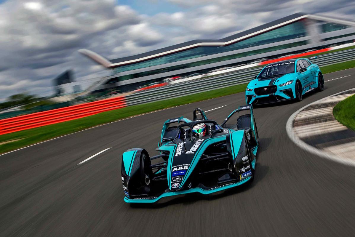 Jaguar Makes In-house Powertrain for Gen2 FE Car
