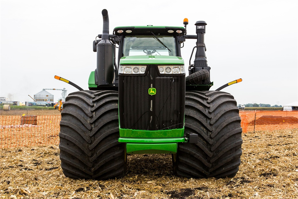 Titan debuts largest agricultural tire tires parts news for Big tractor tires for free