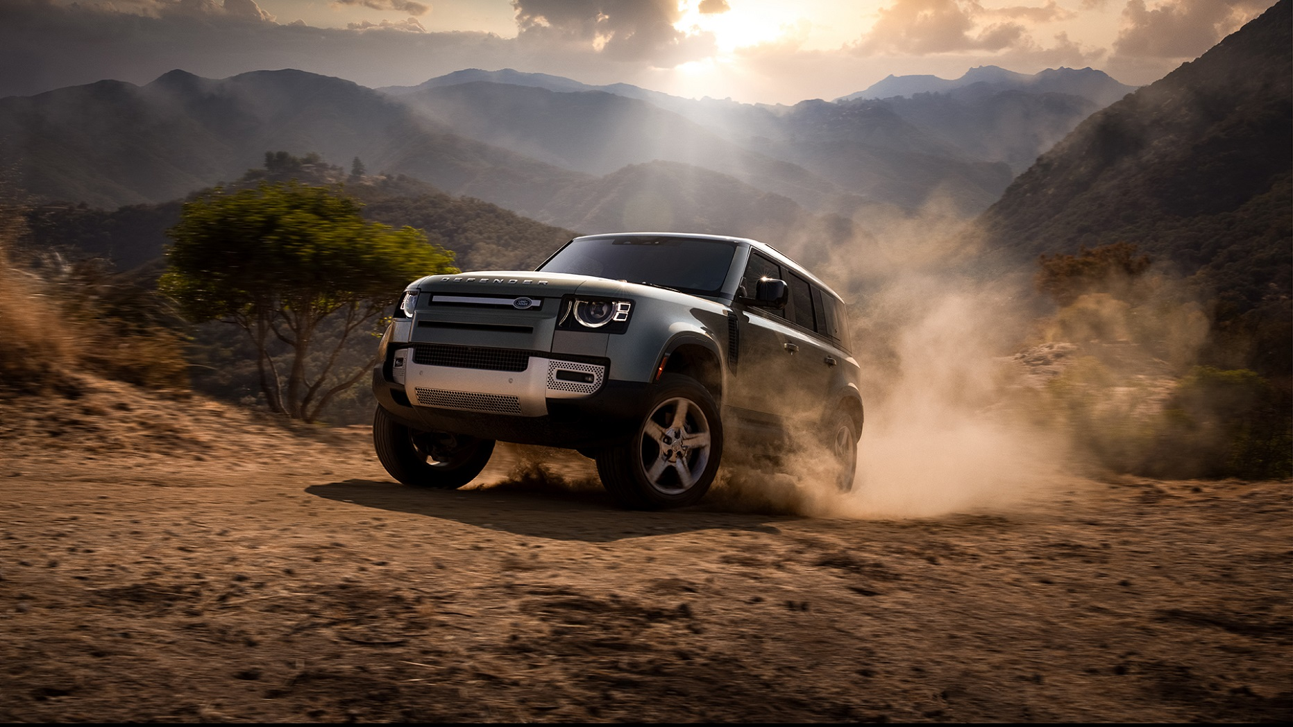 New Land Rover Defender Named Motortrend 2021 Suv Of The ...