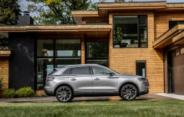 New Lincoln Nautilus Brings Serene Design, Elevated Technology to Midsize SUV Category