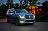Lincoln Navigator Charts the Course for Full Size Luxury SUVs to Follow