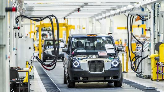 Londons Famous Black cabs to Go Green