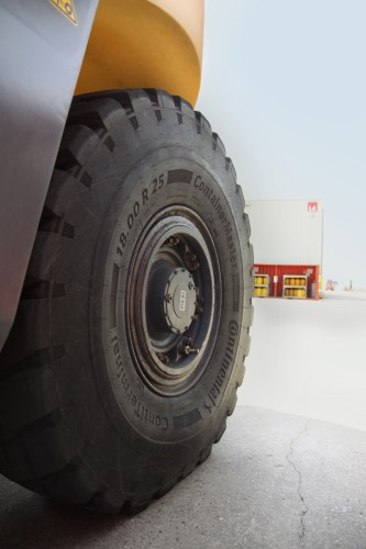 Continental Debuts New Radial Tire Range for Port Applications