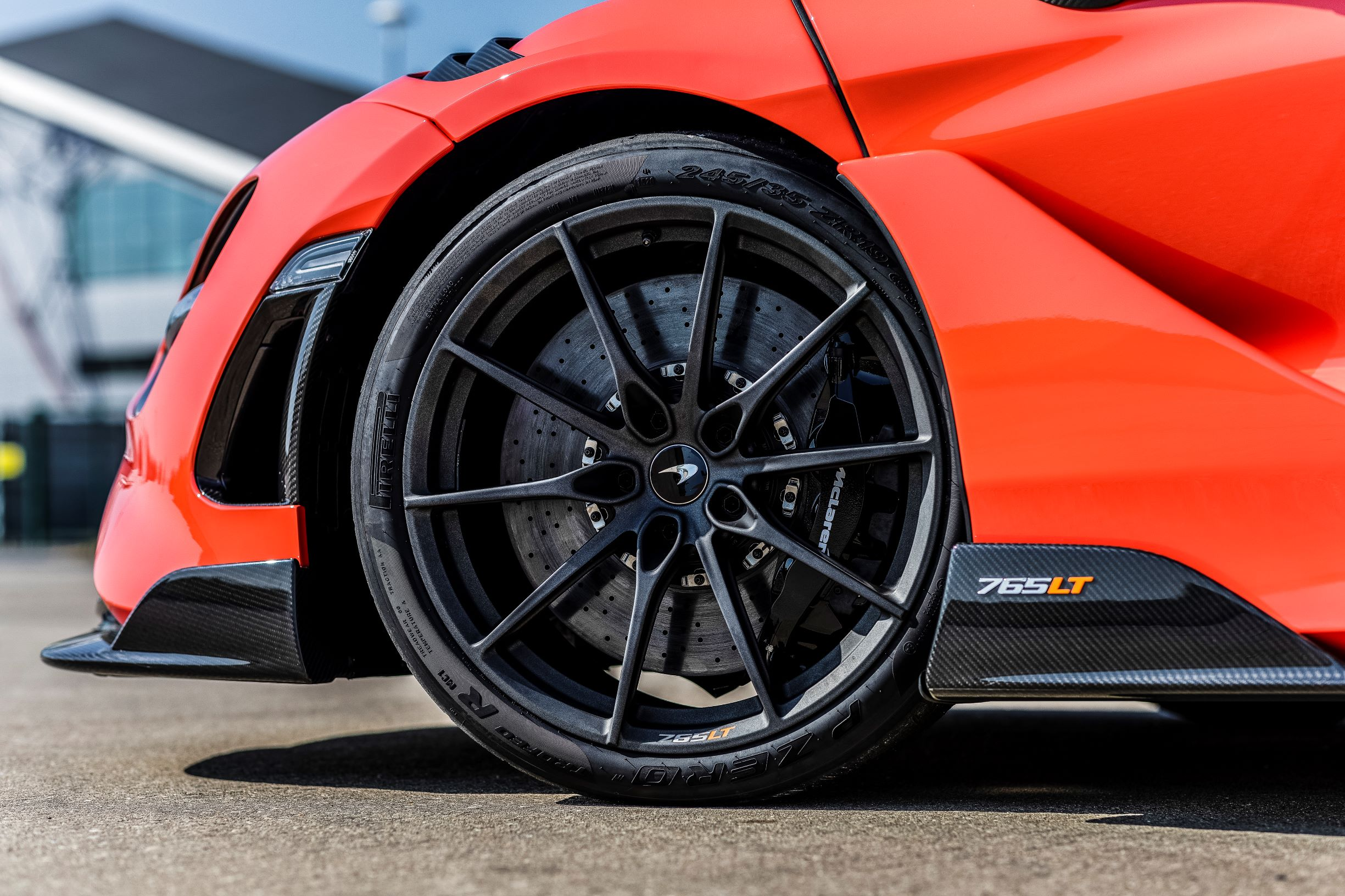 PIRELLI LAUNCHES NEW P ZERO TROFEO R FOR THE FASTEST-EVER McLAREN SUPER SERIES CAR