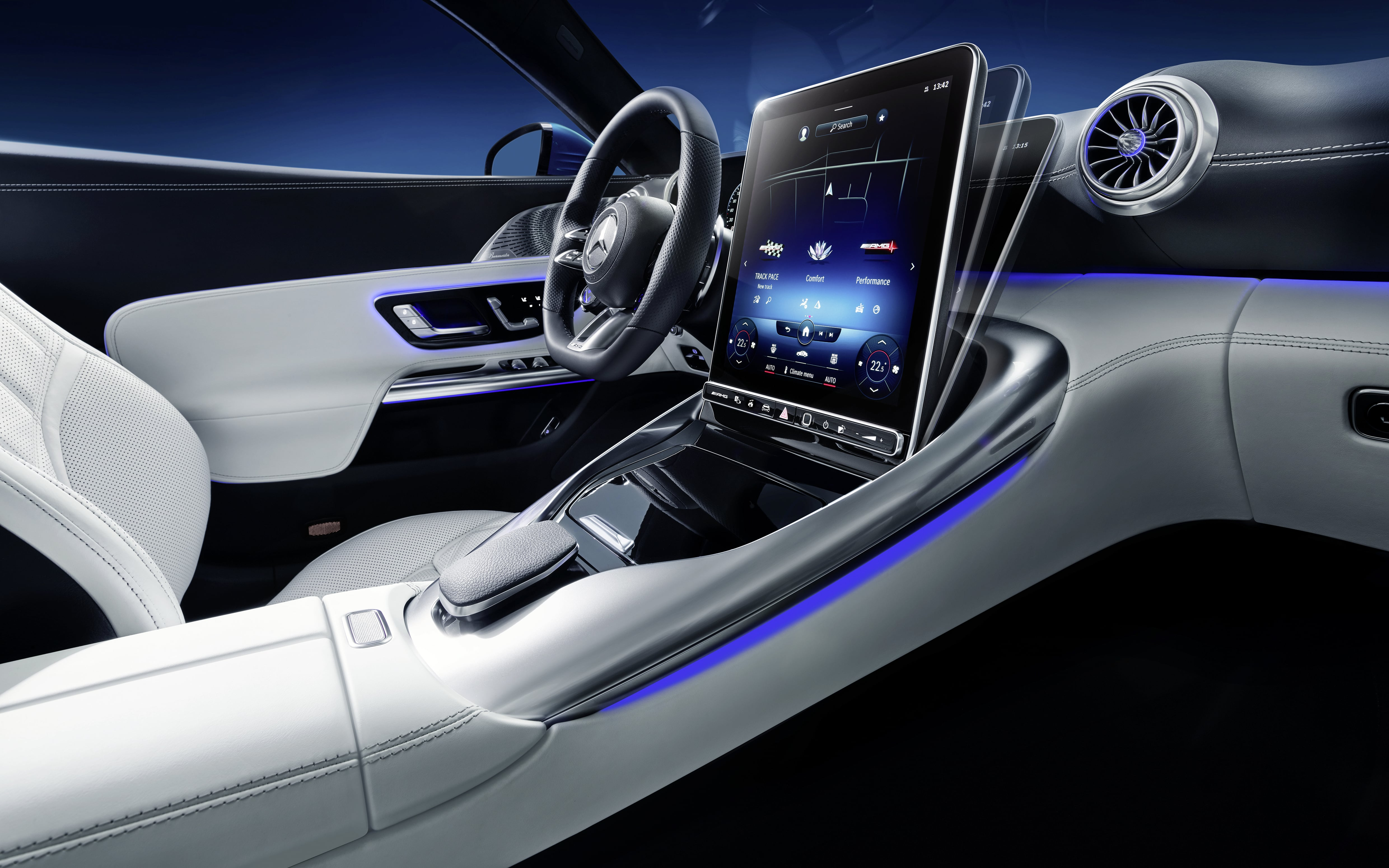 Exclusive insights into the interior of the new Mercedes-AMG SL