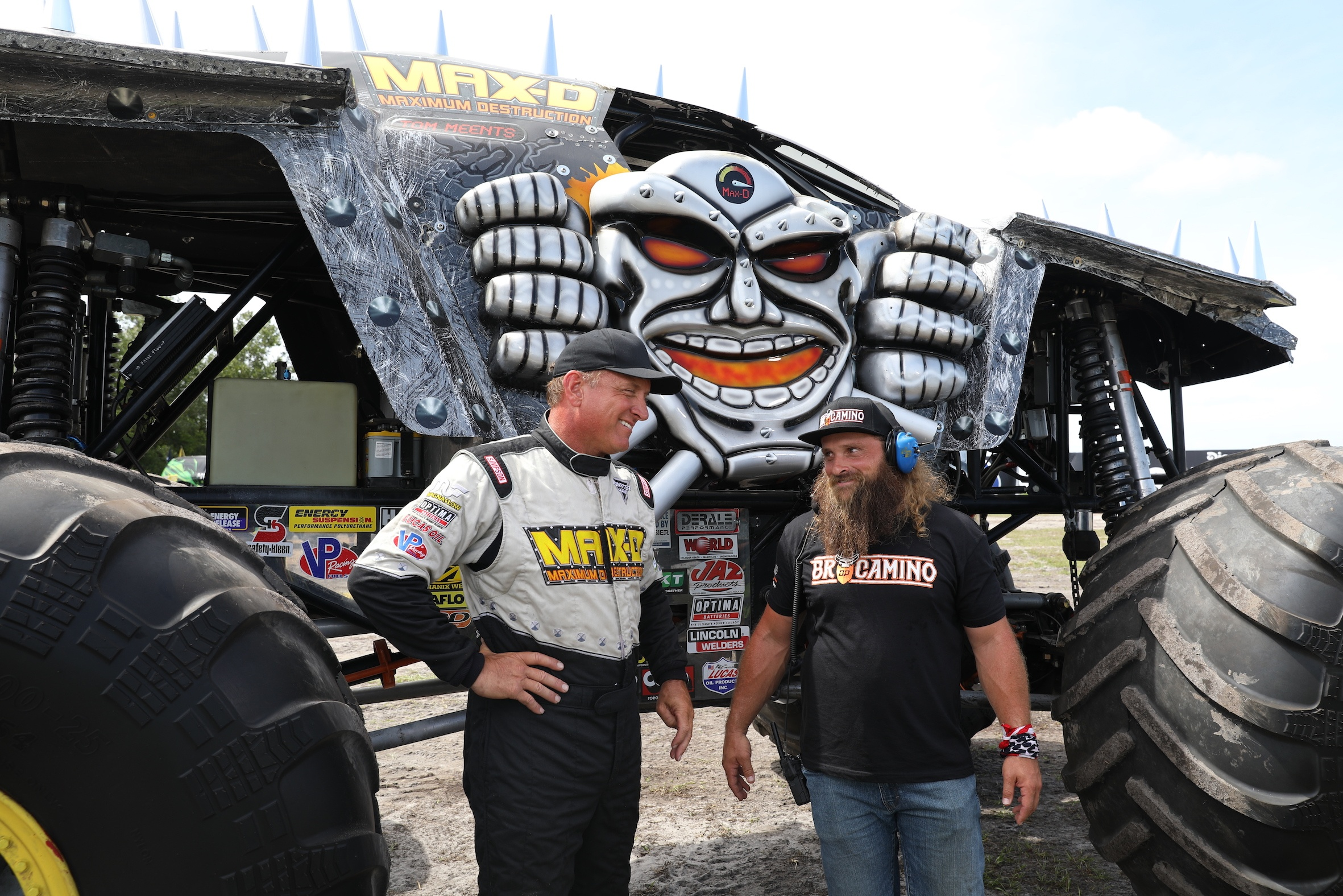 """Bkt and the motor show in the  """"diesel brothers: monster jam® breaking world records"""""""