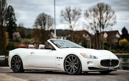 Italian open-air sportsman Maserati GranCabrio on large Deville rims