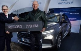 Hyundai Showcases Fuel-Cell Technology with Nexo Record
