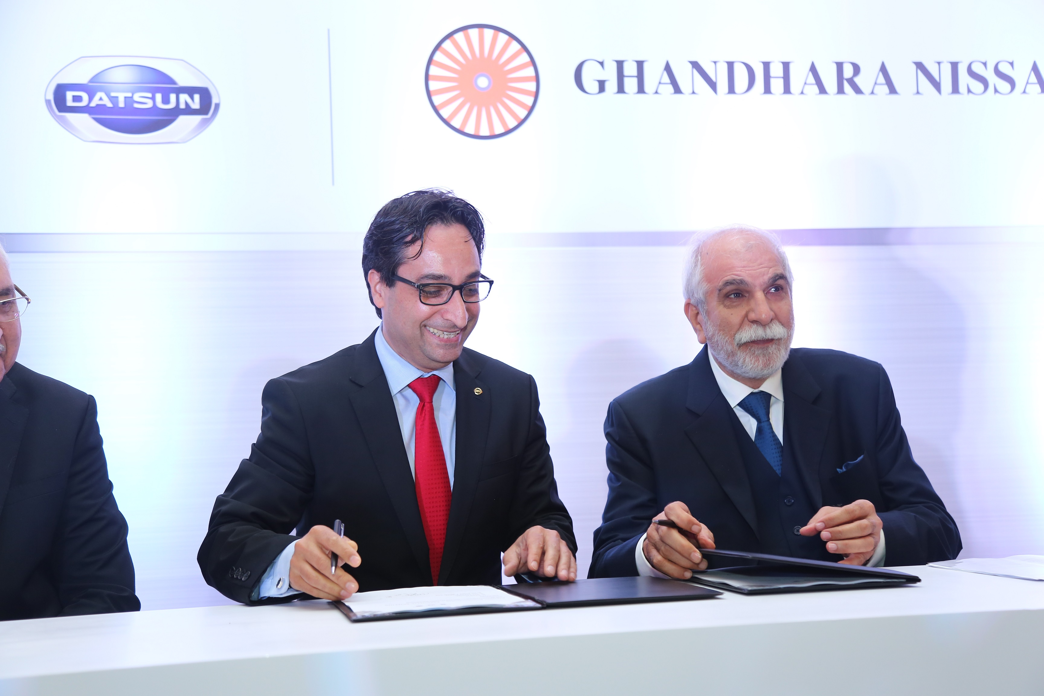 Nissan Ventures into Pakistan
