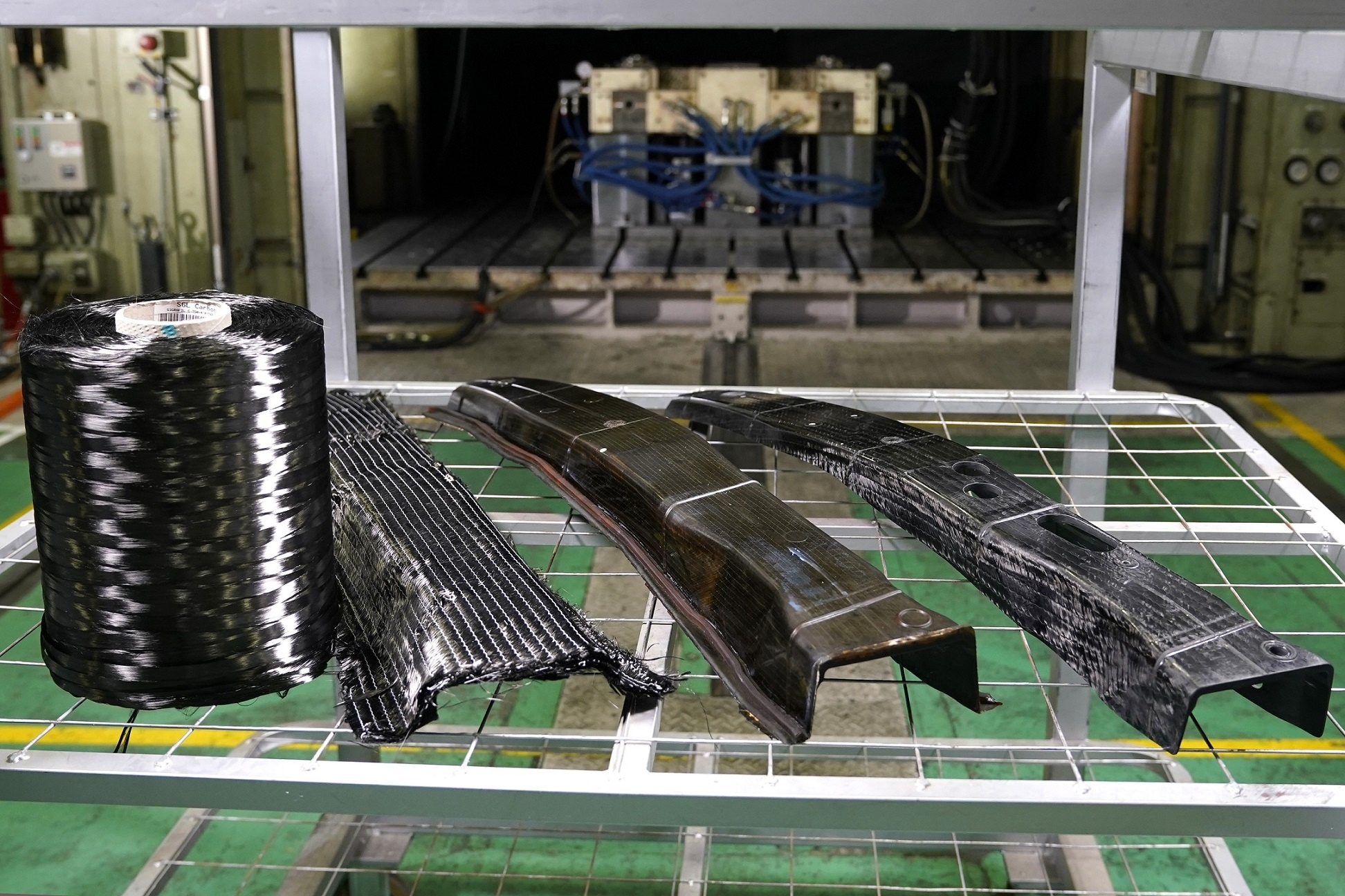 Nissan achieves breakthrough in carbon fiber parts production
