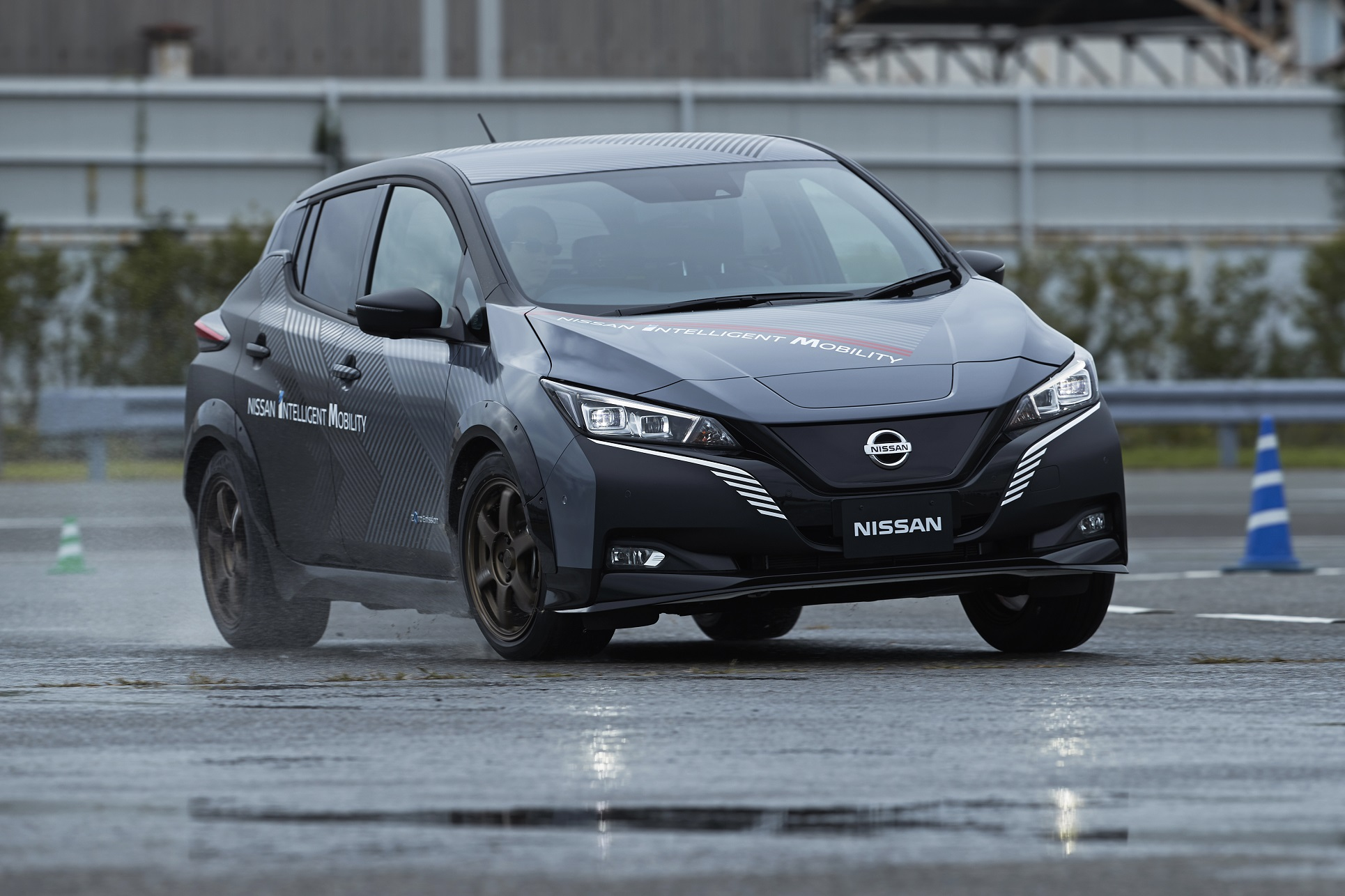 New Technologies in Nissan EV Test Car could Enhance Viability of Electric Vehicles