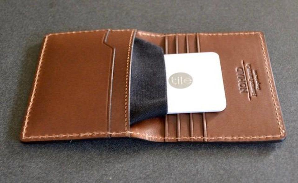 Nomad Slim Tile Bluetooth Wallet