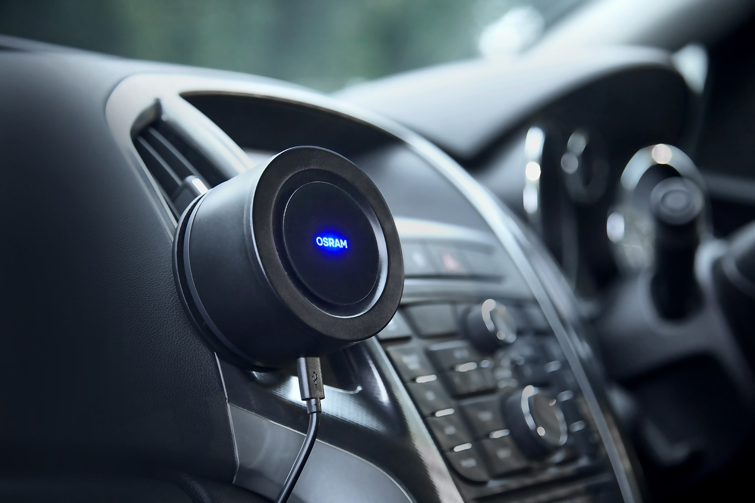 Osram's new UV light cleans the air in cars