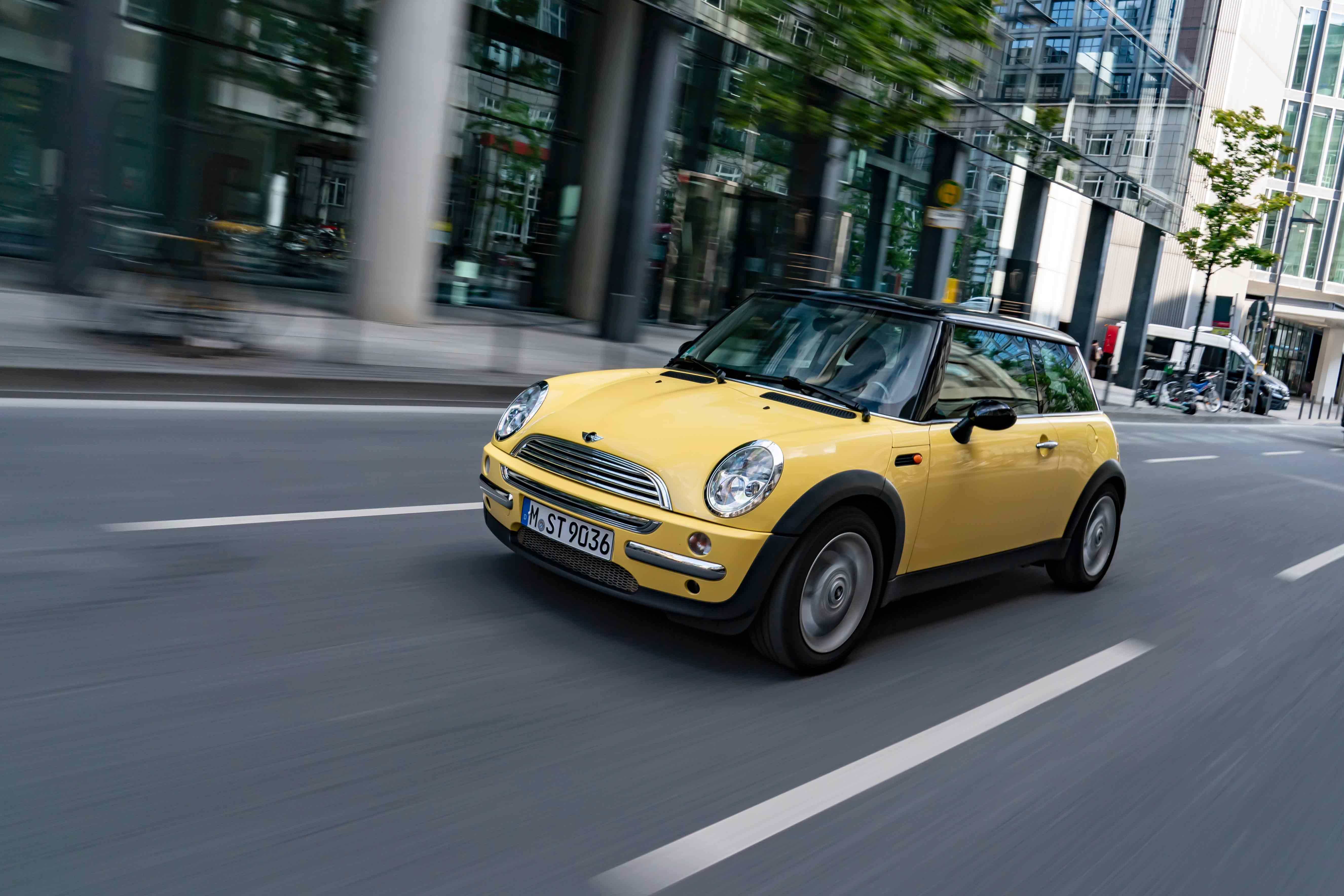 The MINI – for 20 years the original in the premium segment of small cars