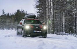 SLEIGH RIDE PROPELLED BY 306 HORSEPOWER THROUGH LAPLAND IN THE MINI JOHN COOPER WORKS CLUBMAN