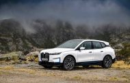 The new BMW iX xDrive40 and new BMW iX xDrive50