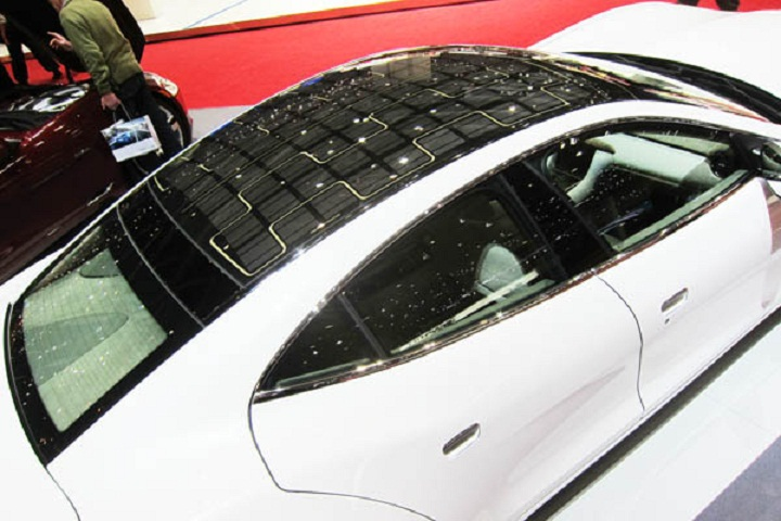 Panasonic Makes Solar Roof for Prius Plug-in