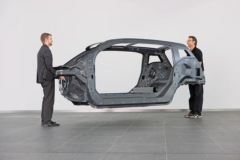 More Automotive Companies Exploring Lightweight Carbon Fiber Technology