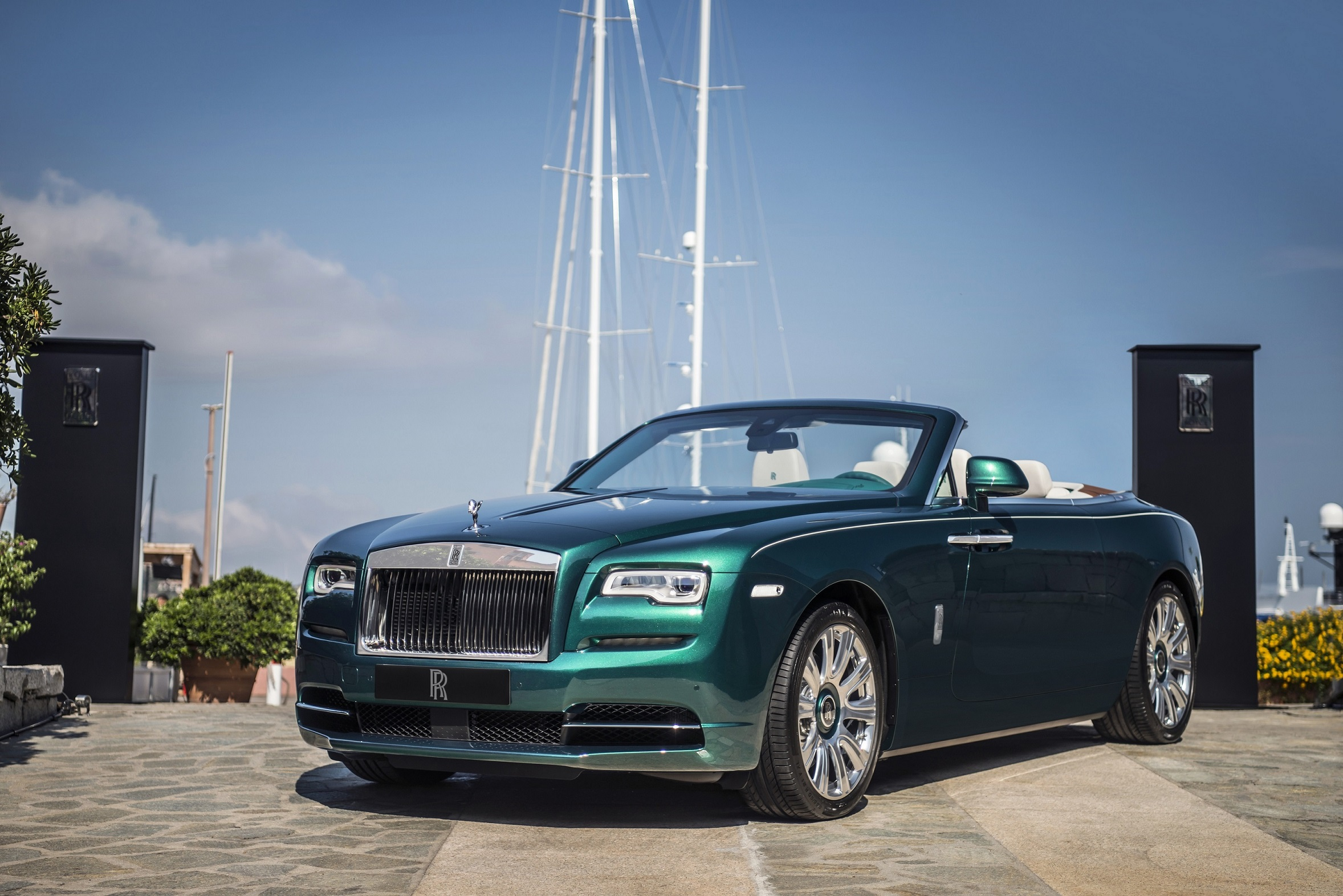 Shell Selected As Exclusive Supplier of Rolls-Royce Motor Cars Genuine Engine Oil
